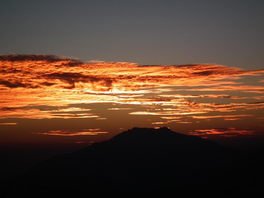 zachód słońca w Himalajach