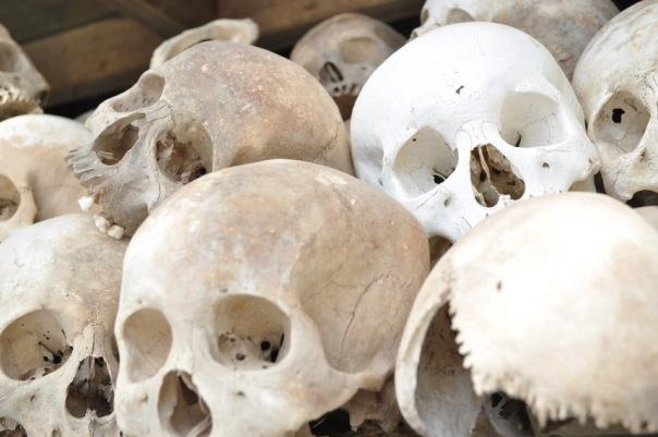 Podczas 3 lat rządów Czerwonych Khmerów zginęło ok. 2-3 mln osób, czyli 25% ludności Kambodży