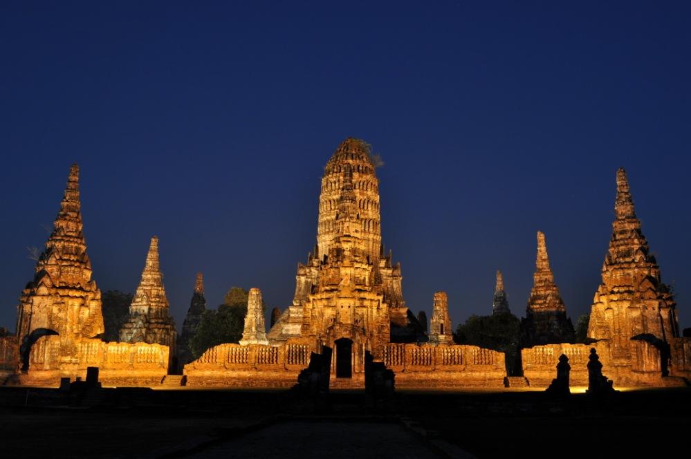 Świątynia Wat Chai Watthanaram w Ayutthayi to jedna z najlepiej zachowanych i najbardziej majestatycznych budowli Królestwa Siamu