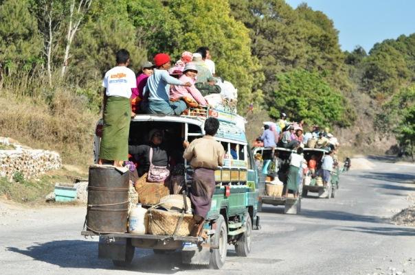 Hindusi byli naprawdę dobrzy, Filipińczycy się starali, ale to chyba Birmańczycy są mistrzami organizacji ładunku ludzko-towarowego