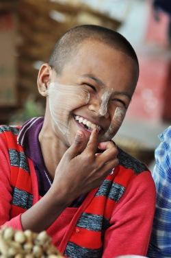 Birmańska dziewczynka
