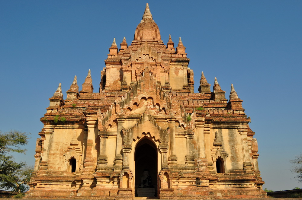 Turyści w Bagan zazwyczaj gnają utartym szlakiem, nie zauważając mniej znanych, ale jakże widowiskowych świątyń