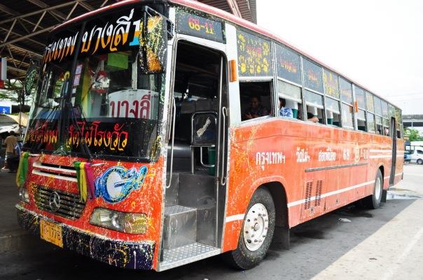Nowy Rok świętuje transport prywatny i publiczny
