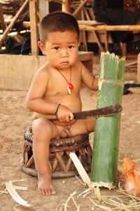 Takiemu nie podskoczysz (Laos - wioska Akha)