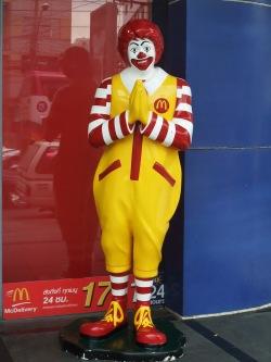 Ronald McDonald podbija Azję (Bangkok, Tajlandia)