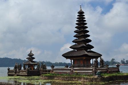 Bali - świątynia Ulun Danu na Jeziorze Bedugul