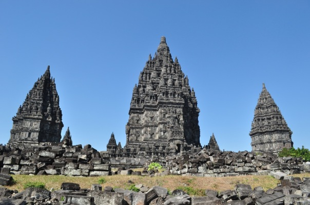 Świątynie Prambanan - obok Borobudur najbardziej okazały starożytny kompleks świątynny w Indonezji