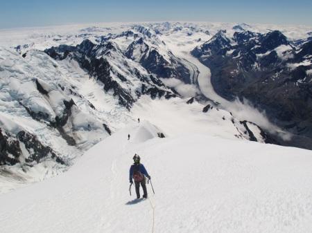 Z widokiem na Alpy Południowe i lodowiec Tasman