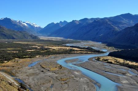 Mija kilka tysięcy lat i zanim się obejrzysz po lodowcu zostaje piękna dolina U-kształtna. Tu dla odmiany w okolicach El Chalten